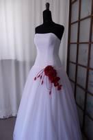 abiti da sposa pregiati tessuti di qualità costosi ricercati